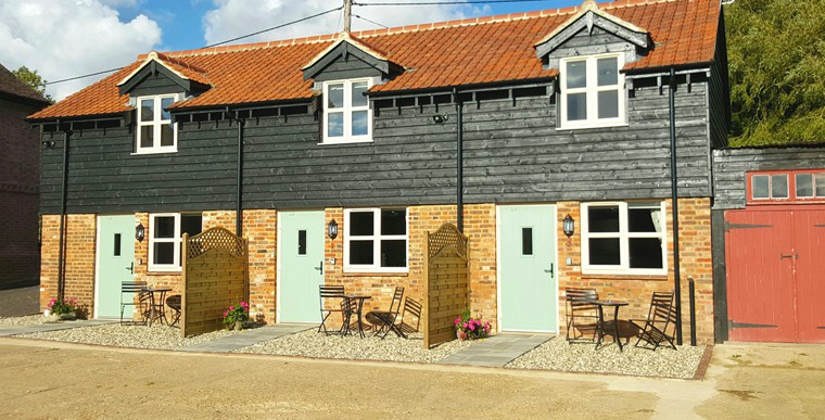 Make An Enquiry About Self Catering Holiday Cottages in Bedfordshire